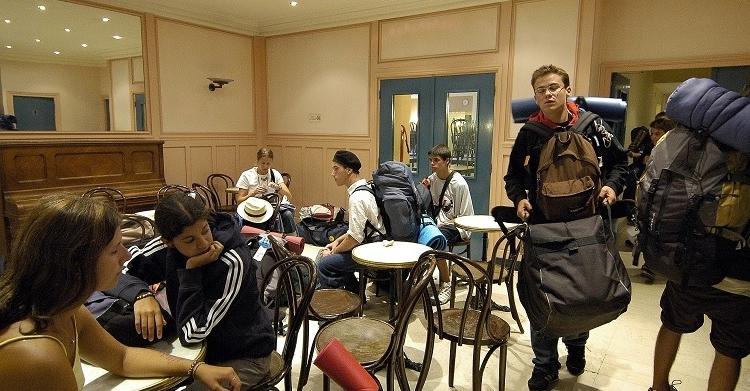 Backpackers en vadrouille au BVJ Paris LOUVRE