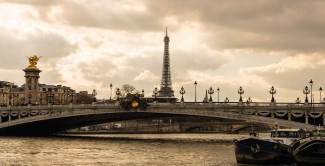 Paris-Pont-Alexandre-3-e1430411481620