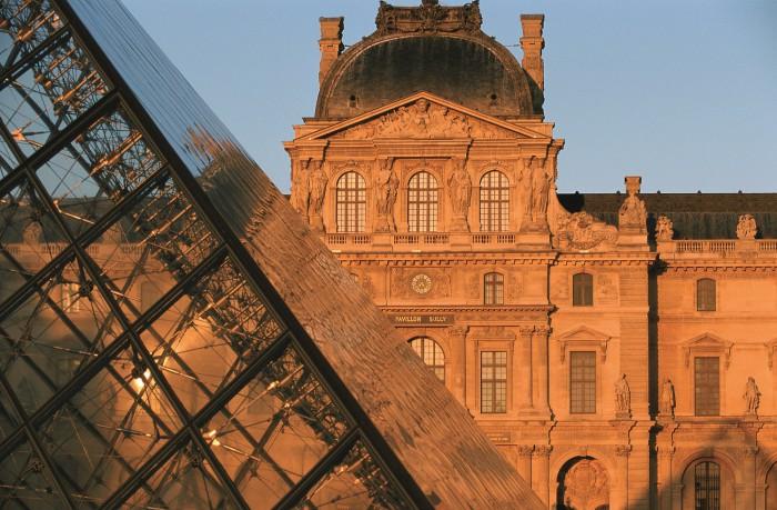 Visitez le musée du Louvre en voyage scolaire