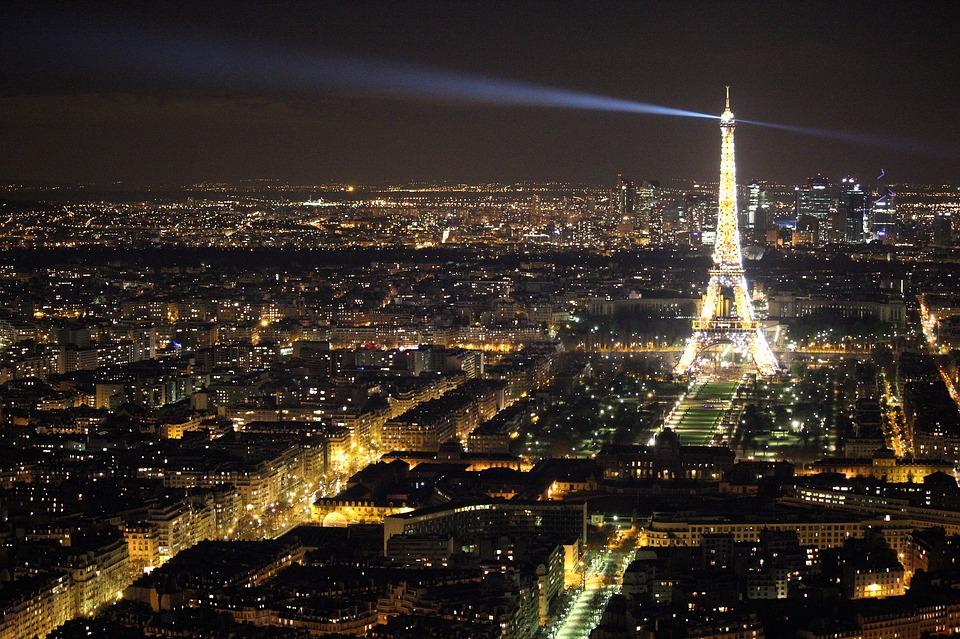 Rencontrez-vous à l'occasion de diverses soirees rencontres Paris.