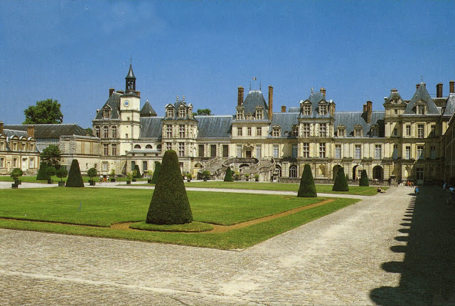 HOSTEL in Fontainebleau