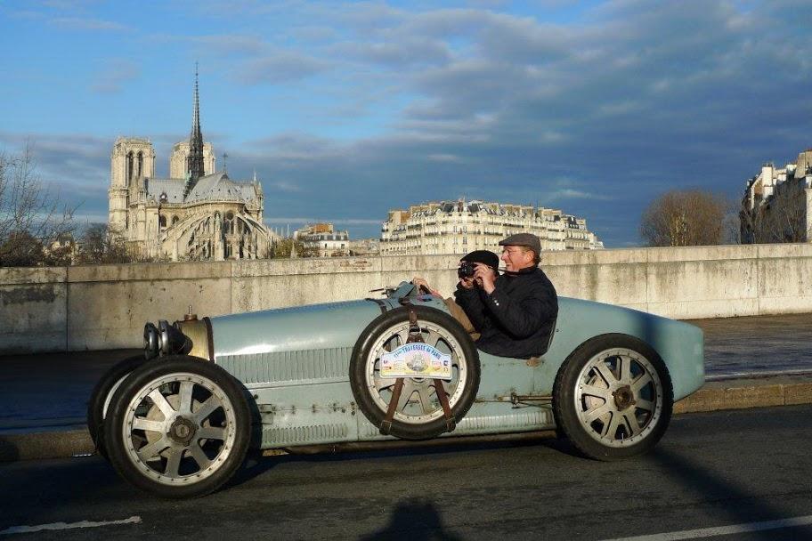 Traversee de Paris ancienne voiture