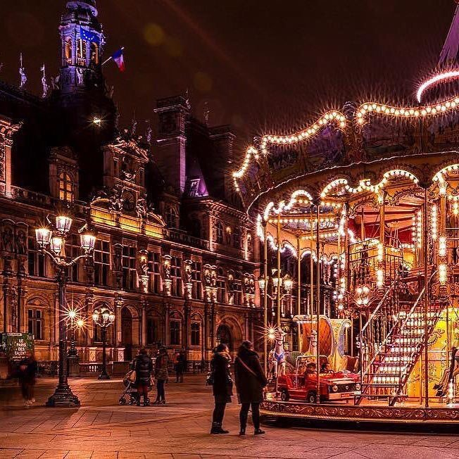 HOSTEL for Christmass holydays in PARIS