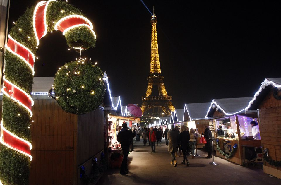 HOSTEL for CHRISTMAS in PARIS