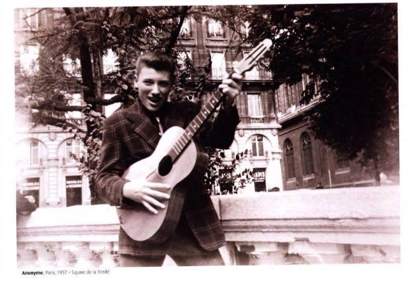 square de la trinite 1957 - Auberge de Jeunesse BVJ OPERA-MONTMARTRE - Hôtel Mademoiselle Mars